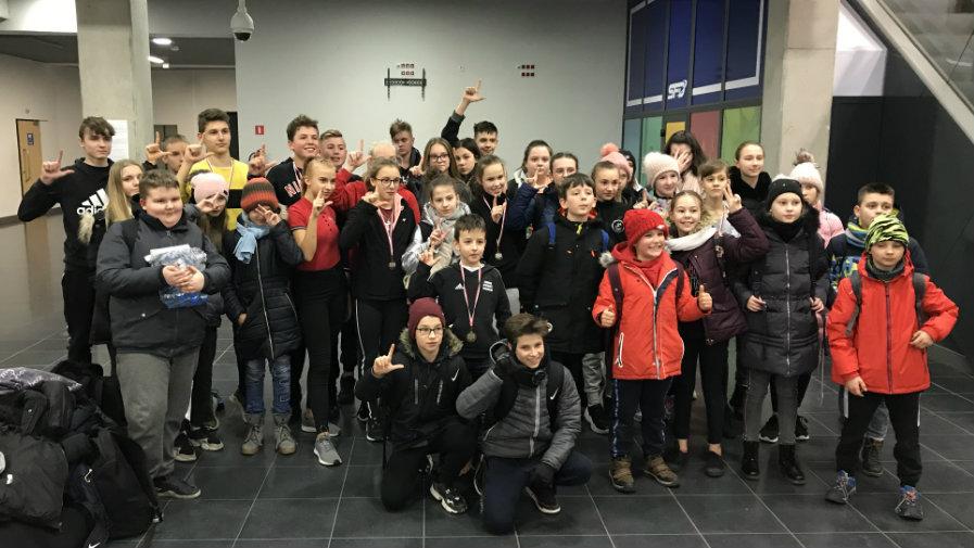 19 medali na Halowych Mistrzostwach Województwa Dzieci!